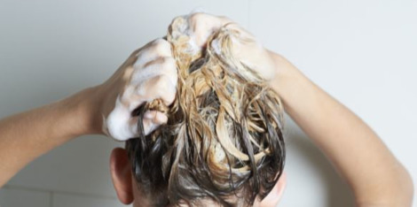 Shampooings antipelliculaires : 3 raisons de les adopter